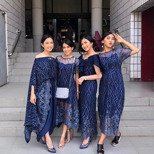 Model Kebaya Dress Panjang Modern, Mix Match Terbaik