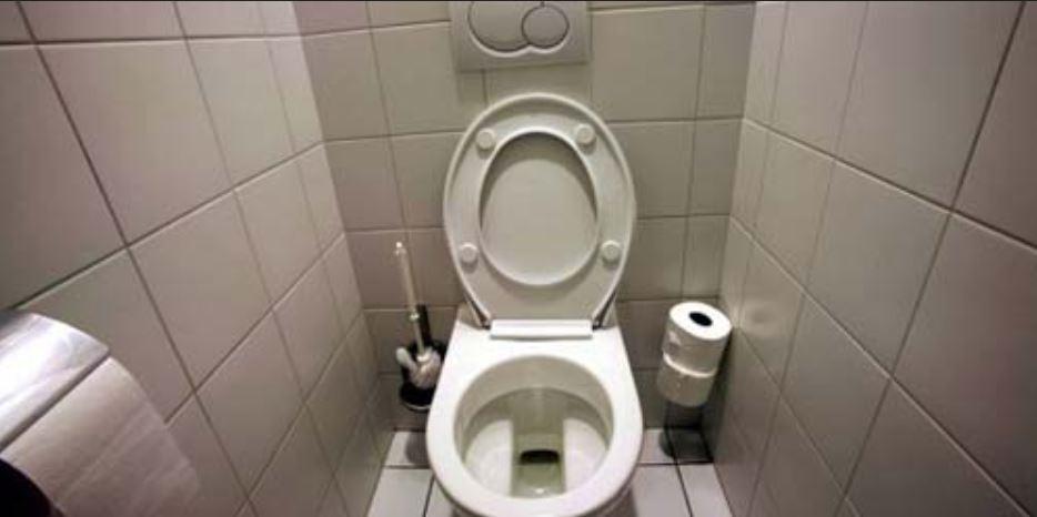 Waspadai Alasan Bakteri dan Virus Betah Tinggal di Toilet